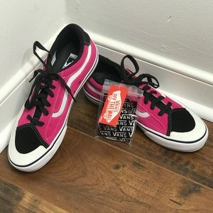 "NWT Vans 'TNT Advanced Prot"" Black/Pink/White Shoe"